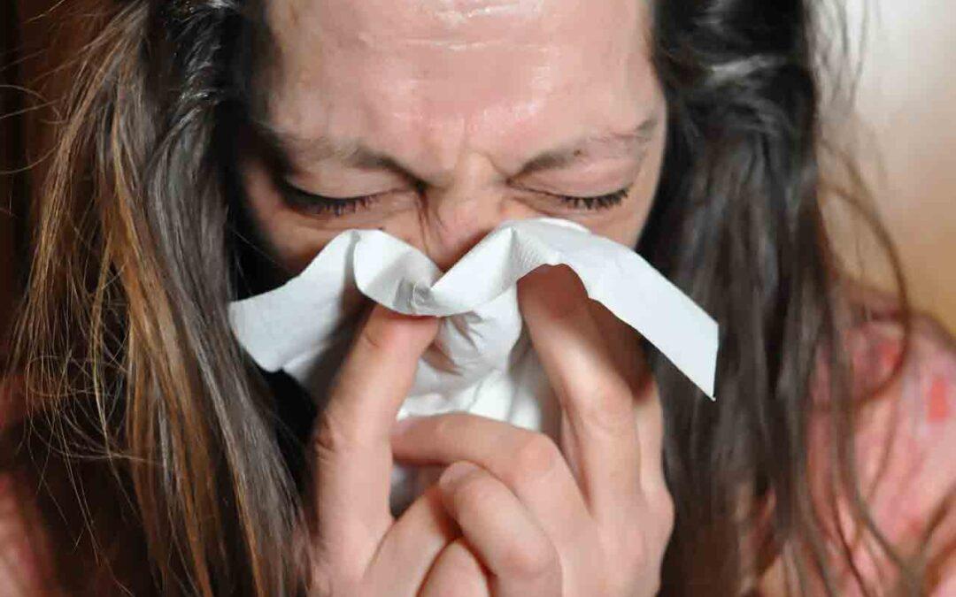 Sinusite sintomi cause rimedi infiammazione mucosa seni paranasali muco espulso